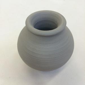 Lil vase in greenware